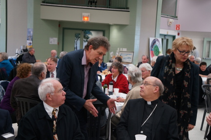 Mgr Morissette et M. Clément Vigneault, membre du C.A. de Mission chez nous